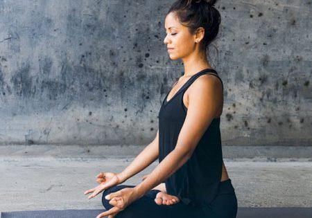Anti-Aging with deep breathing – Yogi Aswini