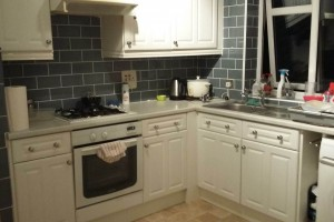 A premium 2 bed room flat available to share with family